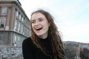 Leas-Reachtaire: Róisín Ní Fhallúin (leasreachtaire@cumann.ie)